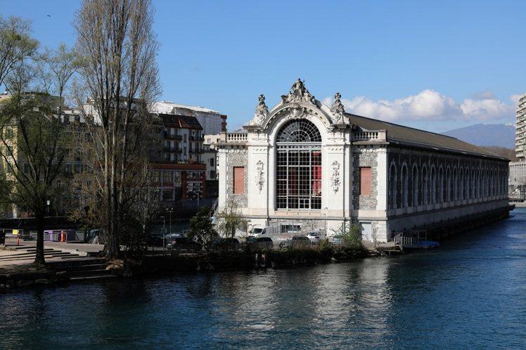 愛馬仕於表展期間進駐日內瓦BMF發電廠劇院。圖/愛馬仕提供