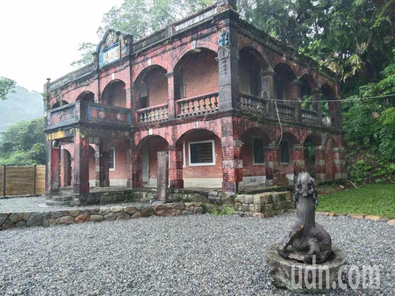 基隆百年古剎靈泉禪寺「開山堂」被列為歷史建築,5月30日前的周五、六、日上午9點到下午4點開放參觀。記者邱瑞杰/攝影