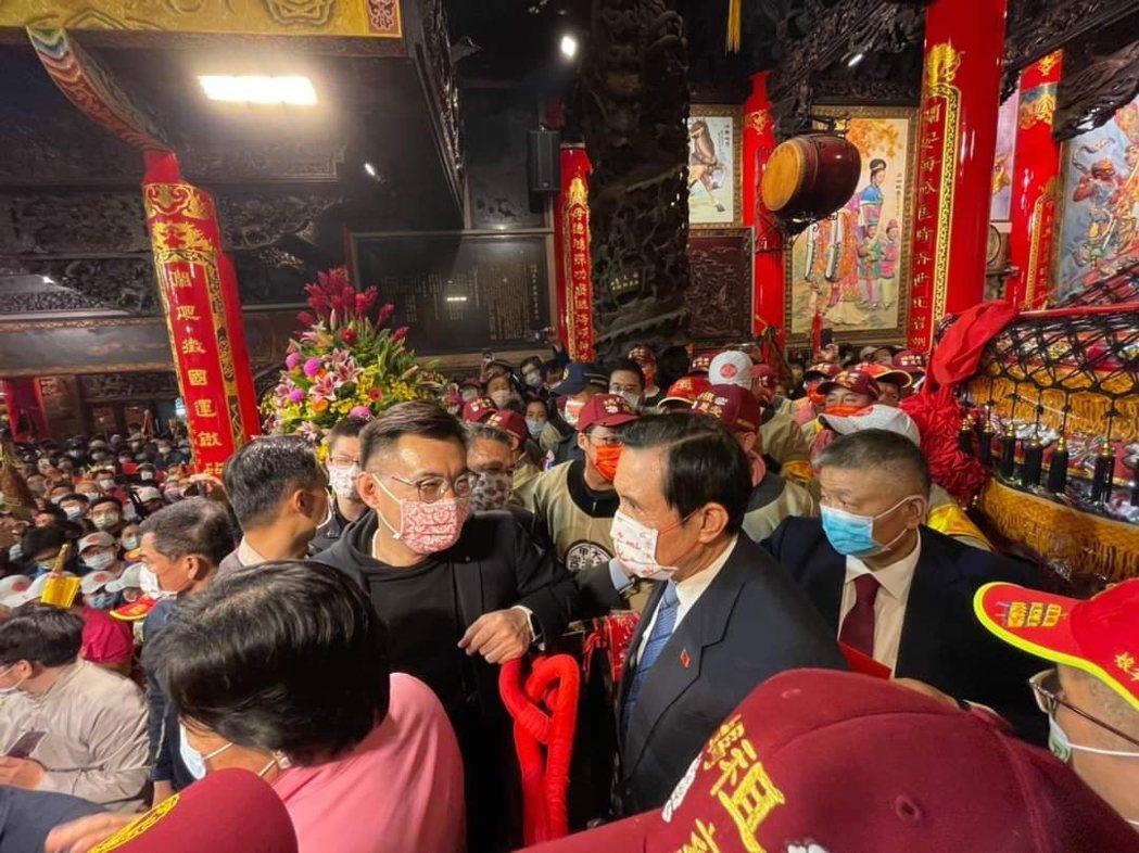 前總統馬英九參加大甲媽祖遶境活動。圖/取自馬英九臉書