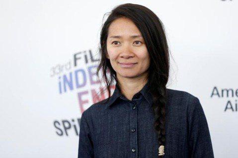 中國出身的華人女導演趙婷,以「游牧人生」拿下美國導演工會的大獎,距離成為奧斯卡金像獎最佳導演再進了一步,也成為緇「危機倒數」凱薩琳畢格蘿之後,第2位獲得美國導演工會獎最高榮譽的女導演。美國導演工會獎...