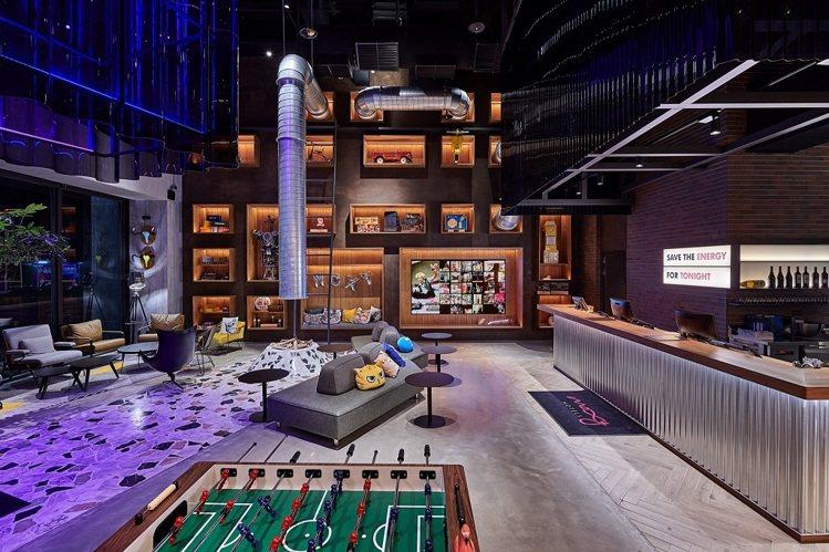 台中豐邑Moxy酒店的公共空間很有奇趣。圖/台中豐邑提供