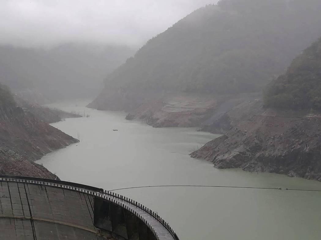 德基水庫只剩4.8%,水庫水情吃緊。圖/台電提供