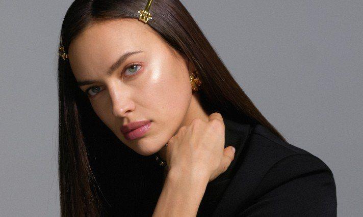 超模Irina Shayk參與Versace新平台企劃「Medusa Power Talks」。圖/Versace提供