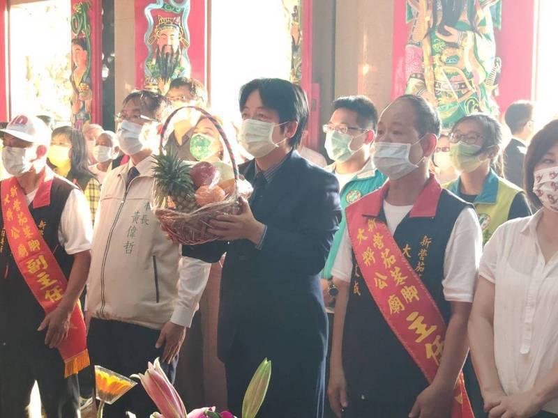 副總統賴清德前往新營大將公廟參拜。記者謝進盛/攝影