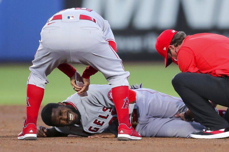 洛杉磯天使外野手佛勒十字韌帶撕裂,宣告他的2021賽季報銷。  美聯社