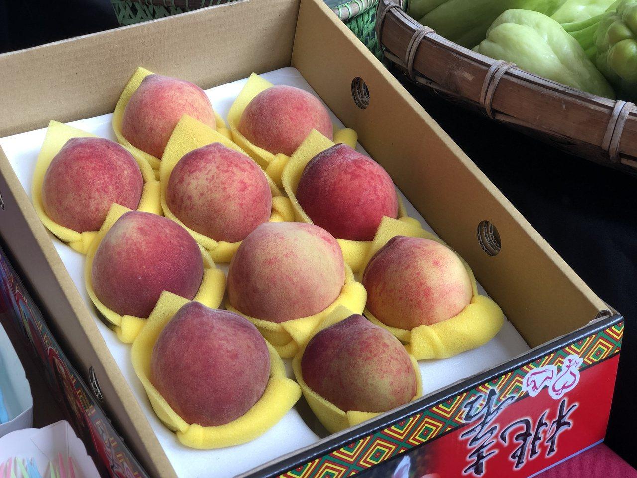 造訪那瑪夏,別錯過楠梓仙溪孕育的水蜜桃、咖啡、龍鬚菜、茶葉、愛玉、梅子等特產。 ...