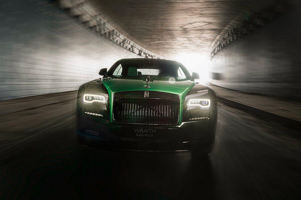 勞斯萊斯汽車首席執行官托斯頓•穆勒•烏特弗斯先生表示:勞斯萊斯汽車以一貫的卓越勇...
