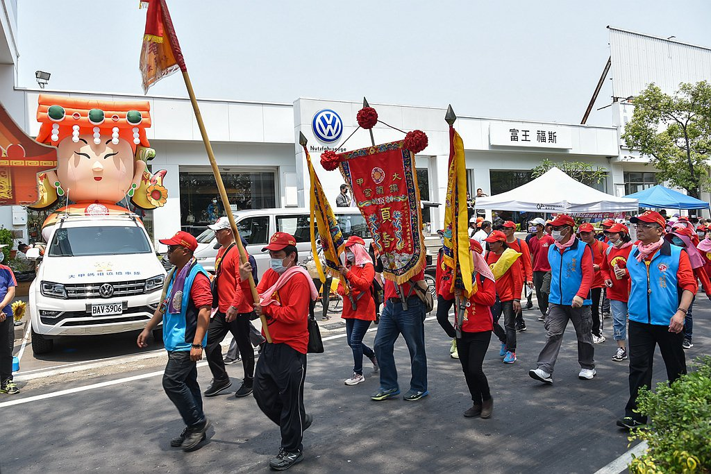 德國福斯商旅連續13年擔任大甲鎮瀾宮媽祖遶境活動合作夥伴。 圖/台灣福斯商旅提供
