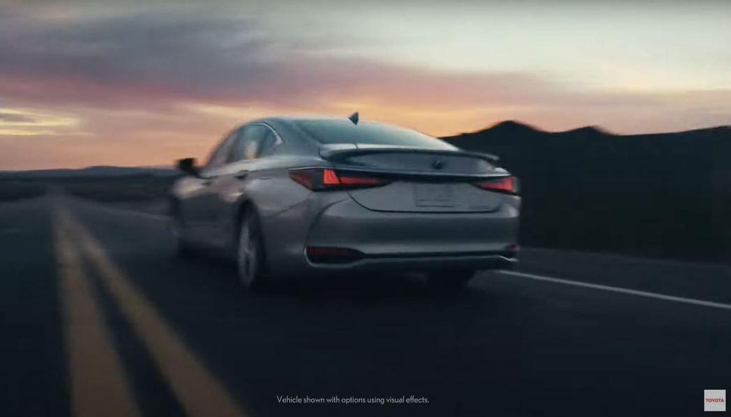 小改款Lexus ES車尾一瞥。 摘自Lexus