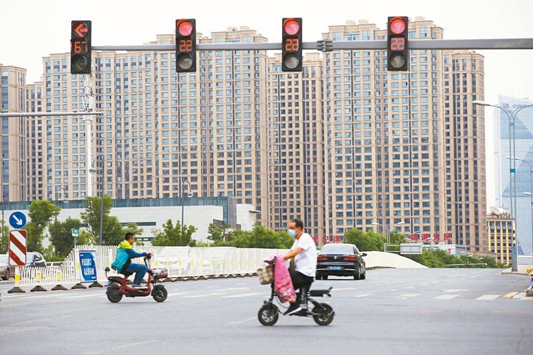 大陸住建部短短三個月內已調研督導或約談13個城市,並要求各城市要精準調控,堅決遏...