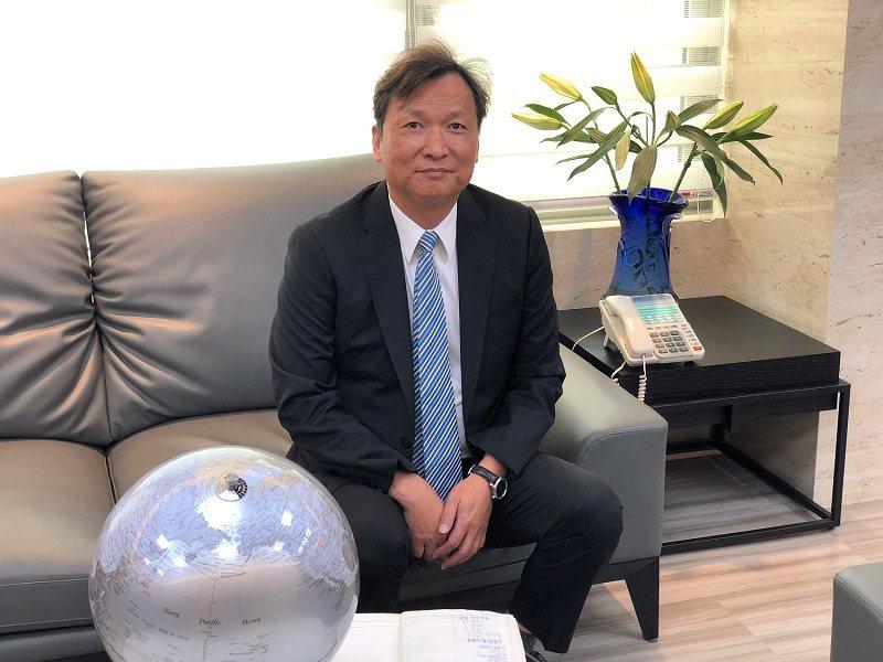 台灣新益美在副總裁暨台灣總經理黃村煜的精準規劃帶領下,以「初乳」創造銷售「白色奇...