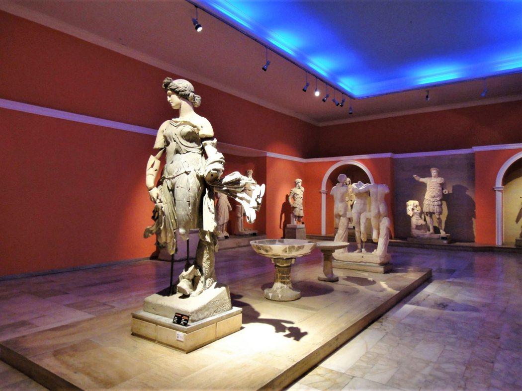 安塔利亞考古博物館的雕像大廳