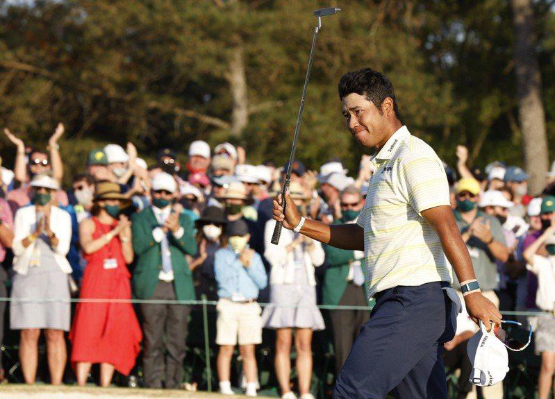 總獎金1150萬美元(約新台幣3.2億)的第85屆美國名人賽冠軍出爐,日本名將松山英樹一路表現強勢、從第一輪領先到尾,成為該賽事首位來自亞洲的冠軍,也是首位贏得高球大師賽冠軍的日本男子選手。路透