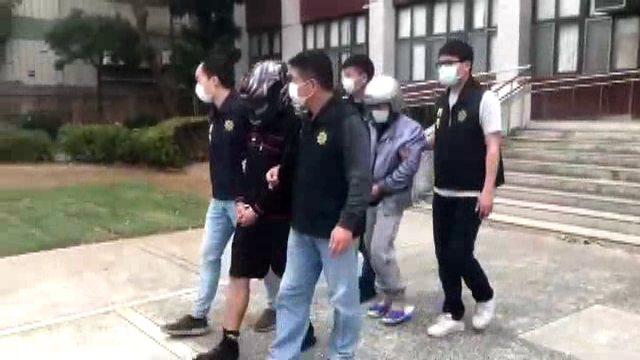 苗栗警察分局偵破銀樓搶案,逮捕2名嫌犯。記者范榮達/翻攝