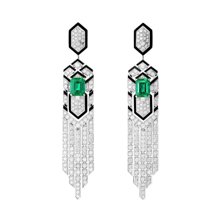 Boucheron CRAVATE ÉMERAUDE祖母綠耳環,鑲飾2顆2.27...