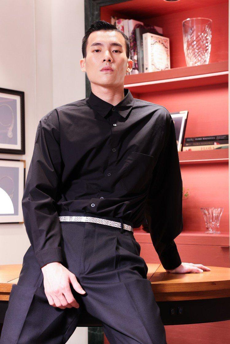 RUBAN DIAMANTS鑽石緞帶可成為男仕燕尾服的腰帶、或用以搭配女仕訂製服...