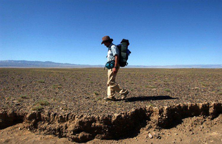 傳奇登山冒險家Reinhold Messner曾於2004年橫斷戈壁沙漠。圖 /...