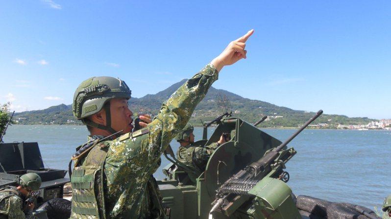 國防學士班制度立意良善,但畢業要綁軍職5年,部隊月薪大約5、6萬,有學生認為不如直接去業界工作。圖/中華民國陸軍臉書粉絲專頁