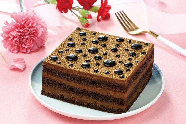 瑞士頂級巧克力蛋糕(6吋),售價599元。圖/愛買量販提供
