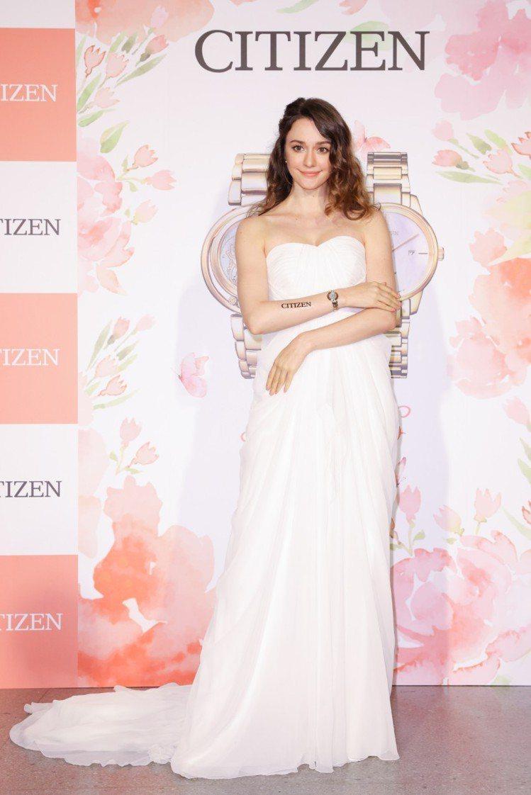 瑞莎為CITIZEN迪士尼系列女表上市站台,並詮釋貝兒公主款EM0823-58D...
