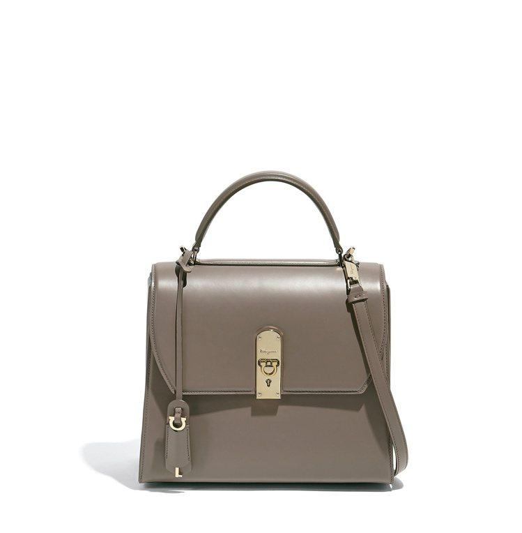 BOXYZ灰褐色牛皮提包,79,900元。圖/Salvatore Ferraga...