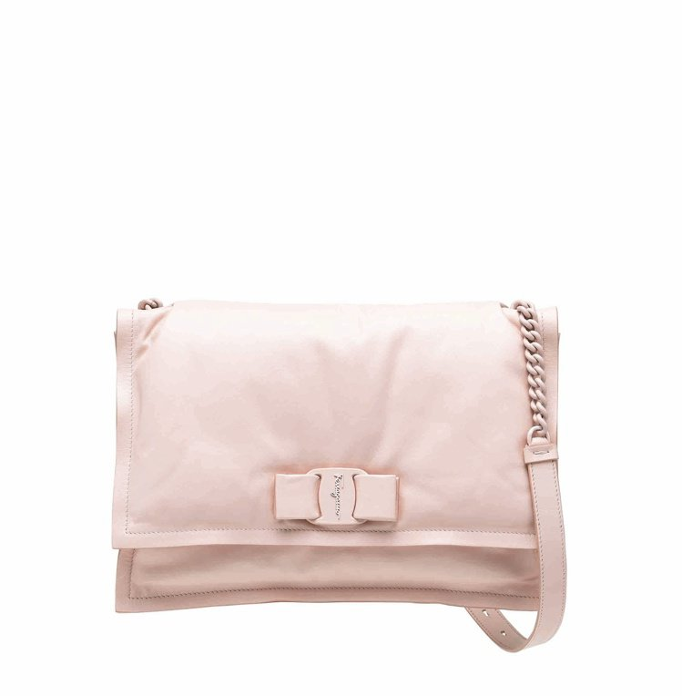 VIVA粉色蝴蝶結小牛皮肩背包,46,900元。圖/Salvatore Ferr...