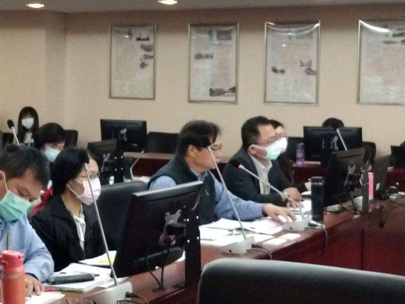 北市民政局長藍世聰說,台北市的人口流失與福利、交通、房價都有關,隨著2014、2015年新北、桃園陸續改制,導致台北市人口外移。記者林麗玉/攝影