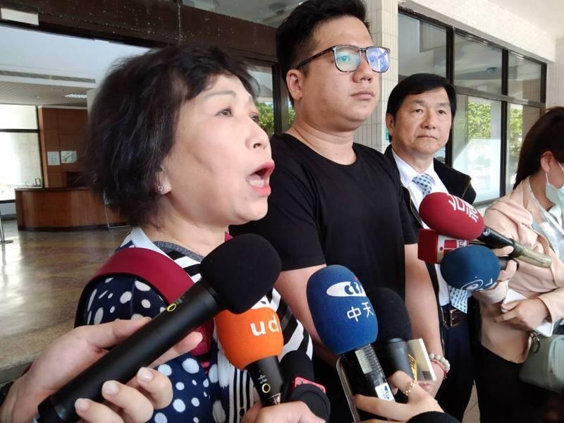 立委葉毓蘭(左)表示,相關法規制度要修訂到更符合需求,防堵類似太魯閣列車事故悲劇發生。記者邱瑞杰/攝影