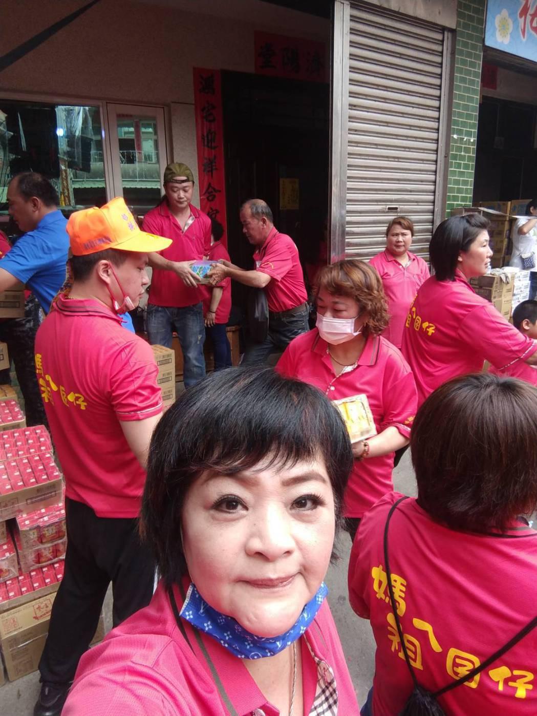 易淑寬連續6年參與媽祖遶境活動。圗/萬鴻提供
