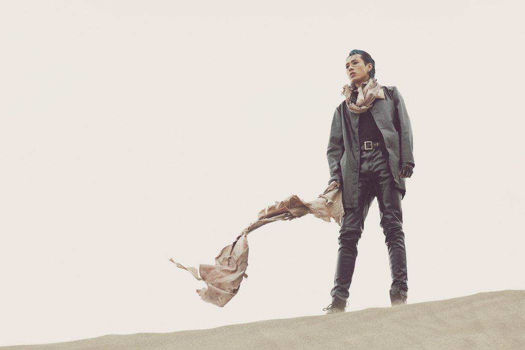 Marz23全新單曲「最美的風景」在台南頂頭額沙丘取景。圖/華納音樂提供