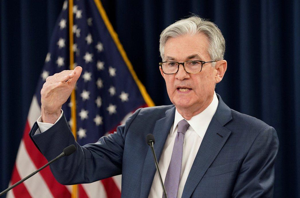 聯準會主席鮑爾表示,美國經濟處於轉捩點,成長與就業即將加速。(路透)