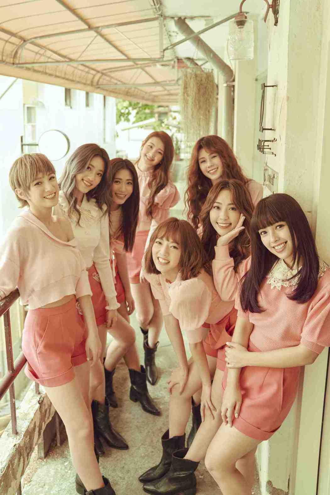 女團PINK FUN全新EP「FOREVER PINK FUN」13日正式發行。...