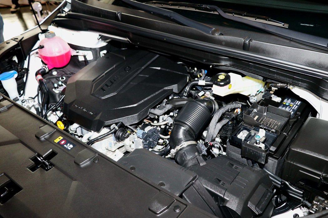 新世代Smartstream 2.2升柴油直列4缸引擎。 記者陳威任/攝影