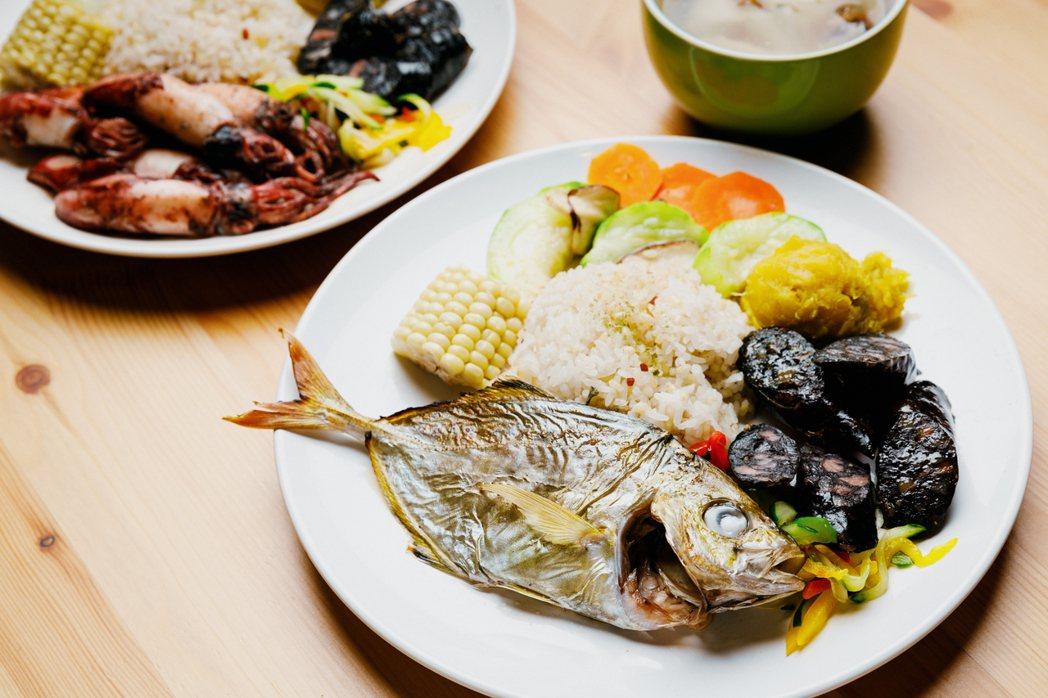 戴秀真要讓食魚教育從「吃」開始,因此推出來的魚料理,堅持以真面目「全魚」上場。 ...