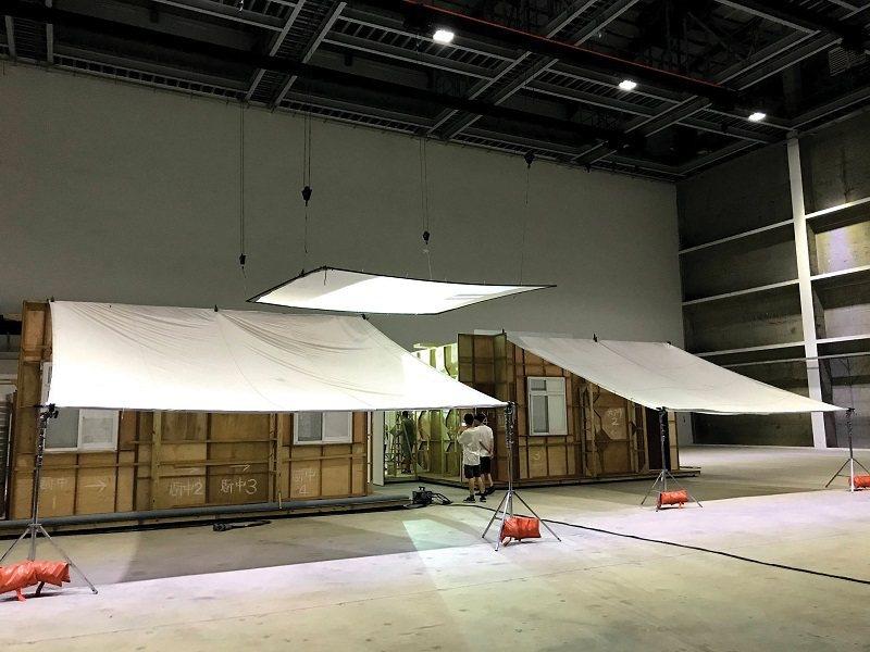 中台灣影視基地的攝影棚,提供亞大光影課程使用。