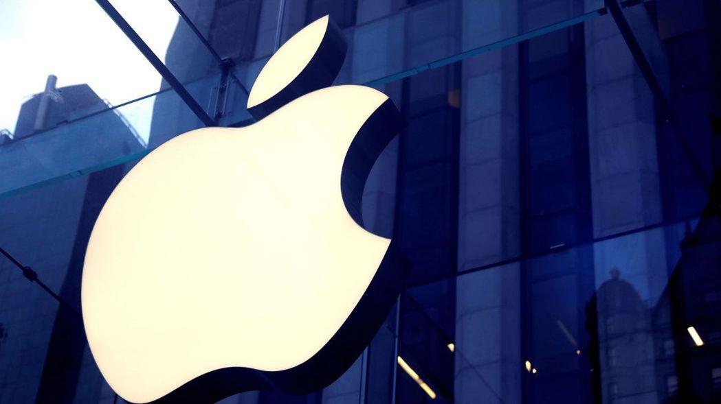 分析師預測明年下半年新iPhone可望重啟高階鏡頭升級週期,大立光具設計及產能優...