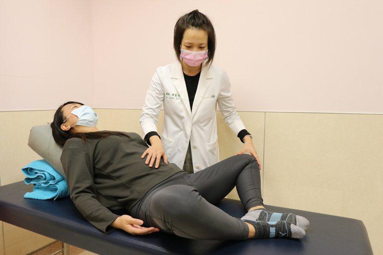 亞洲大學附屬醫院中醫科醫師陳書怡說,大約1/5女性會在排卵期出現3~12小時的單...