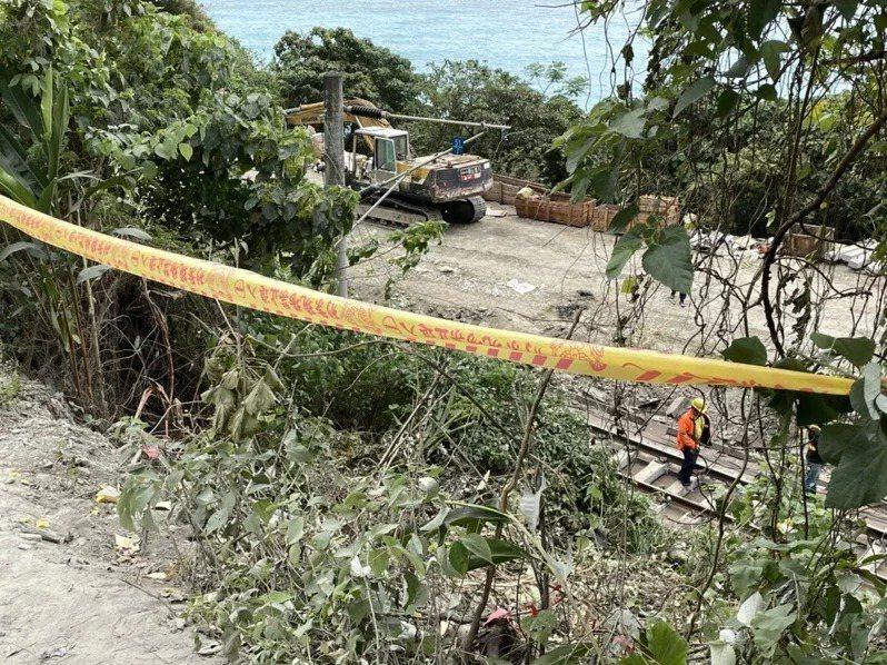台鐵太魯閣號撞擊從邊坡滑落的工程車,釀49死、超過200傷悲劇。聯合報系資料照