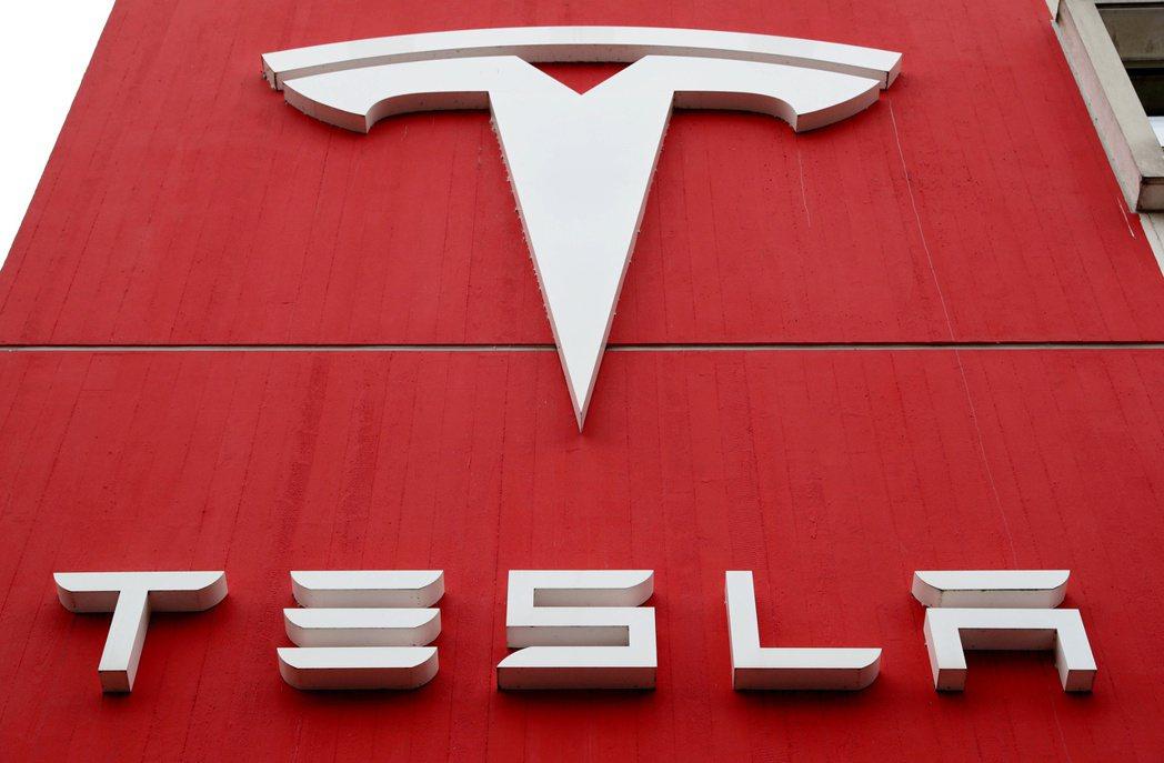 Canaccord分析師看好特斯拉(Tesla)的電池事業,大幅調高目標價。  ...