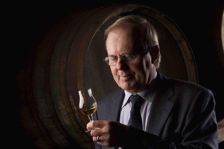 現任百富首席調酒大師大衛‧史都華,是「過桶(Wood Finish)」概念的創始...