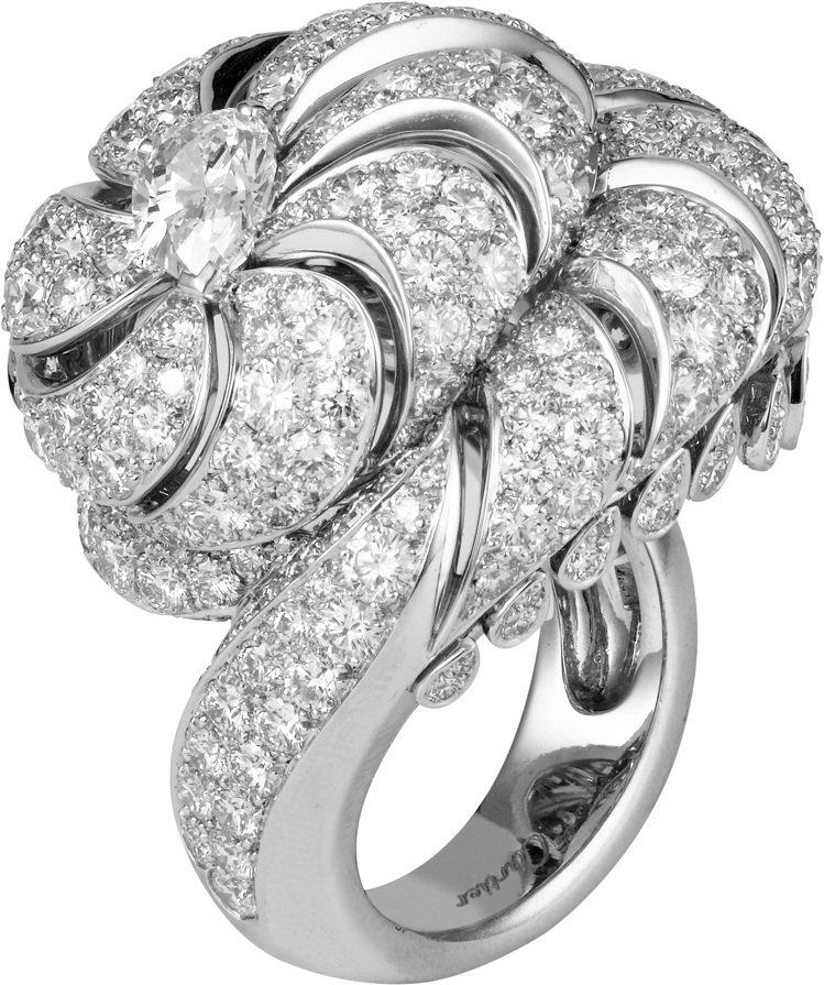 卡地亞頂級珠寶系列鑽石戒指,價格店洽。圖/卡地亞提供