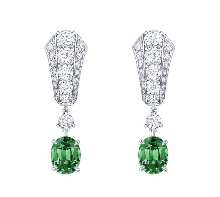 路易威登高級珠寶系列白金鑲鑽與祖母綠耳環,價格店洽。圖/路易威登提供