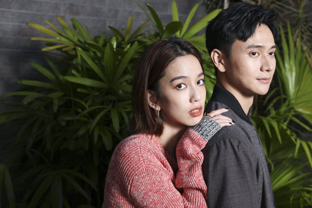 陳庭妮(左)、劉冠廷在「火神的眼淚」中上演一段可愛的戀情。記者王聰賢/攝影