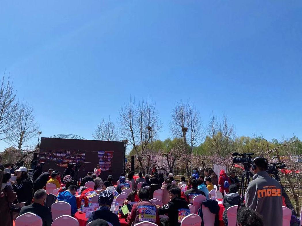 平谷與高雄市六龜區新發里山上舉行「京台鄉村視頻連線交流會」。記者呂佳蓉/攝影