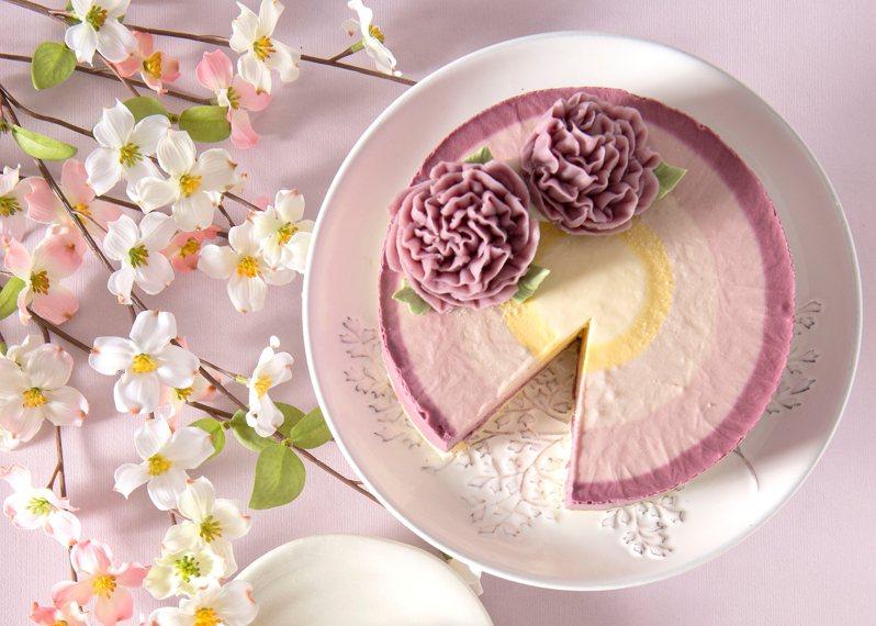 久久津「彩虹馨語乳酪蛋糕」,OKmart預購宅配價699元。圖/OKmart提供