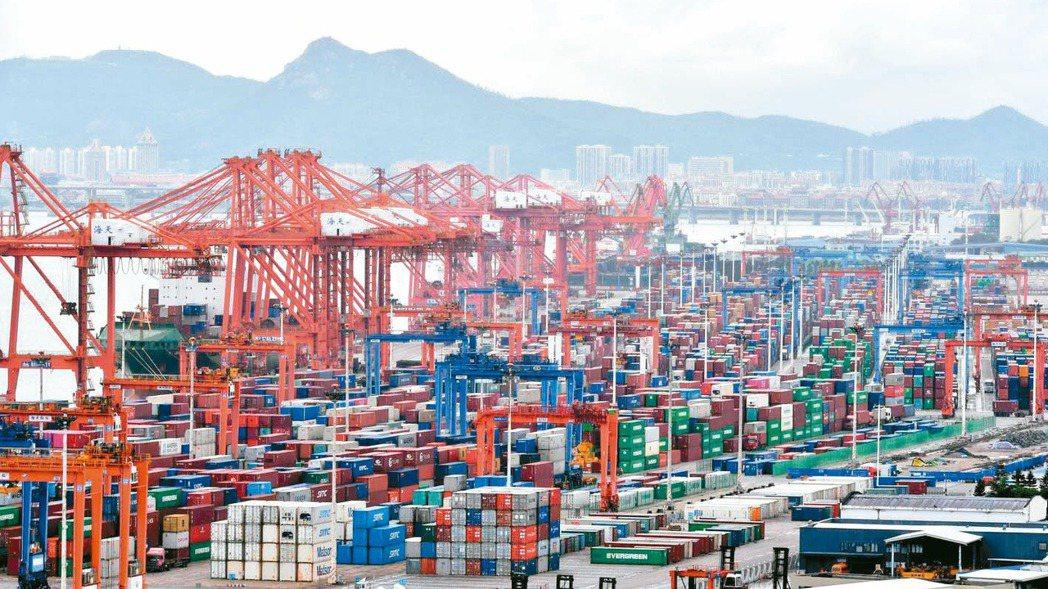 大陸海關總署昨(7)日公布4月進出口增速雙雙維持高位並優於預期,進口增長43.1...