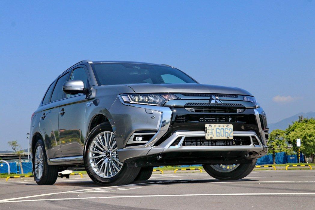 Mitsubishi Outlander PHEV,售價149.6萬元。 記者陳...