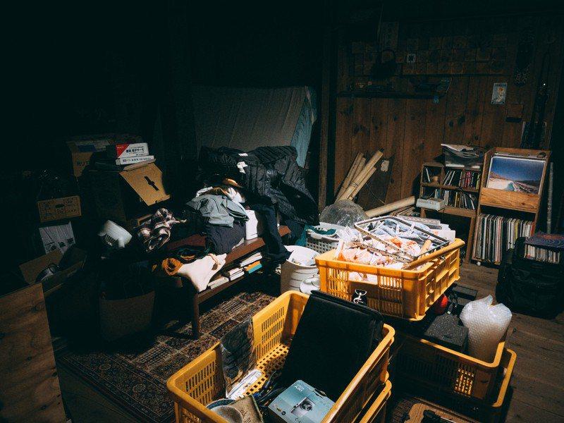有些人會將回收物堆積在住處內。 圖/pakutaso