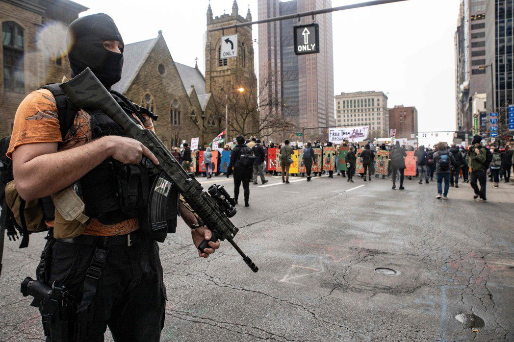 2000年以後,華盛頓DC特區的法律規定禁止攜帶未經登記的槍枝,並禁止註冊手槍。示意圖。 圖/法新社