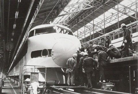 日本「國鐵民營化」:改革鐵道巨債與安全危機的救命法?